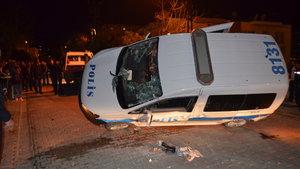 Adana'da polis aracıyla kamyonet çarpıştı
