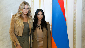 Khloe Kardashian 40 bedenden 34 bedene indi!
