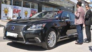 Bakan Zeybekci makam arabasını değiştirdi: Mercedes yerine Lexus
