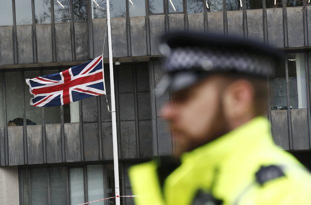 Londra'da saldırıdan bir gün sonra şüpheli paket alarmı!