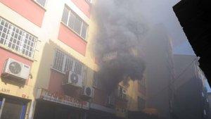 Karaköy'de yangın paniği