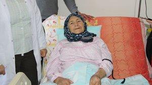 Balıkesir'de yaşlı kadının karnından 15 kilo kitle çıkarıldı