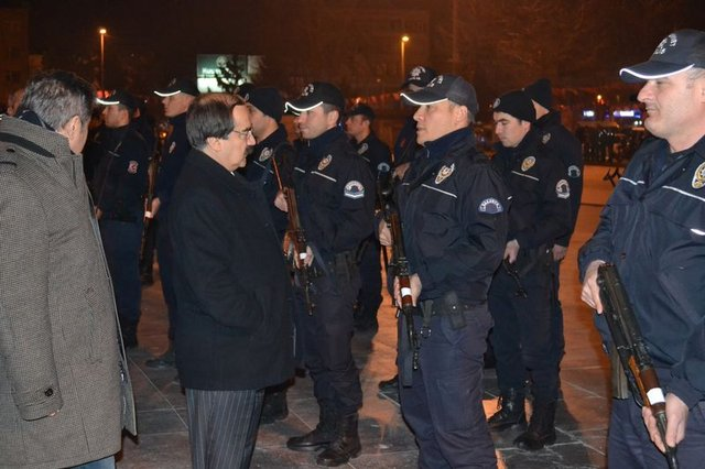 Sakarya'da gece 1150 polis 'acil' koduyla çağrıldı