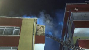 Güngören'de korkutan çatı yangını