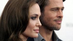 'Brad Pitt ve Angelina Jolie sürekli telefonlaşıyor'