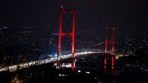 İstanbul'dan 'Dünya Saati' hareketine destek