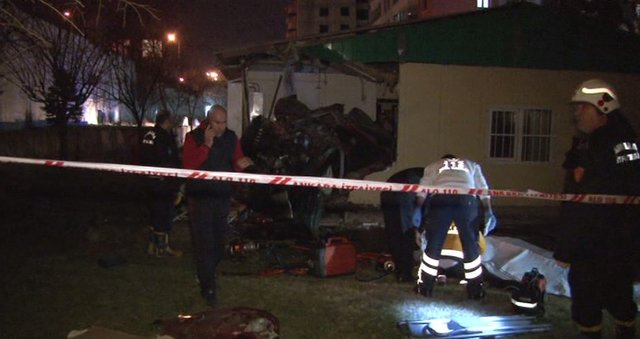 Ankara'da otomobil muhtarlık binasına uçtu! 4 kişi öldü, 1 kişi yaralandı