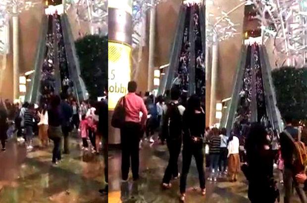 Hong Kong'taki bir alışveriş merkezinde Yürüyen merdiven ters yöne hareket etti! 18 kişi yaralandı