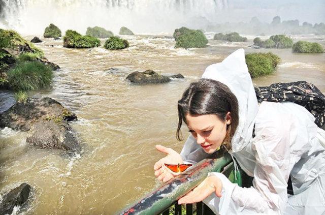 Tuvana Türkay Brezilya'da tatil yapıyor
