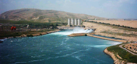 DEAŞ'ın elindeki Tabka Barajı PYD'nin kontrolüne geçti
