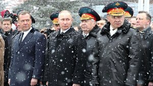 Medvedev'in ördekleri Rusya'yı karıştırdı!