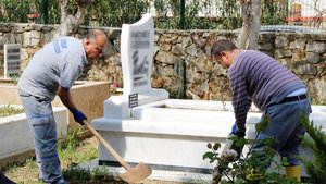 Karikatürist Bedri Koraman'ın mezarı açıldı