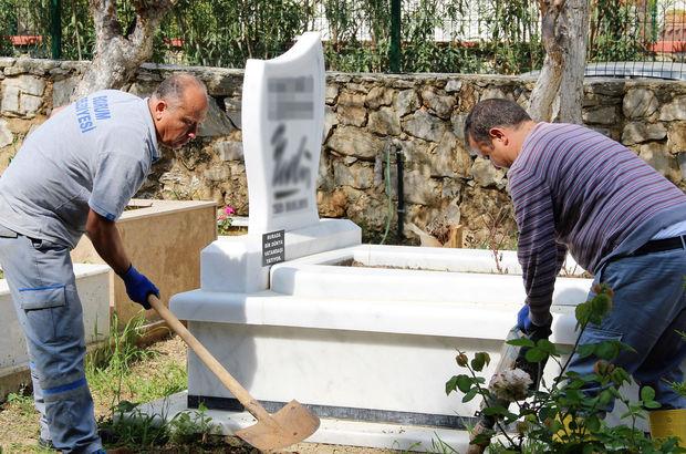 Karikatürist Bedri Koraman'ın mezarı babalık davası nedeniyle açıldı