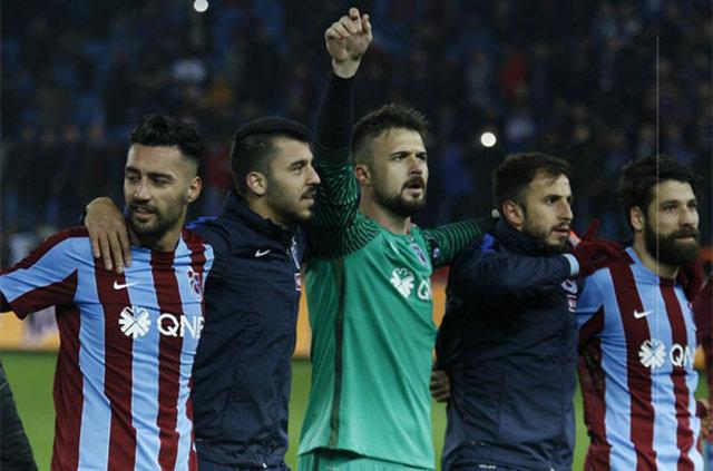"""Trabzonsporlu Olcay'dan Beşiktaşlı Gökhan Töre'ye: """"Gel bize şampiyon olalım"""""""