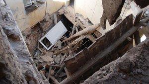 Kayseri'de tadilat yapılan evin çatısı yıkıldı