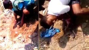 Canlı canlı toprağa gömülen bebeği son anda kurtardılar