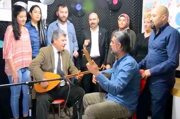 CHP'li Balbay 'Hayır' için sazı eline aldı!