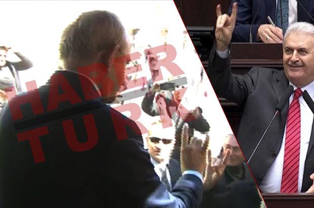 Kayseri'ye giden Kılıçdaroğlu'ndan bozkurt işareti
