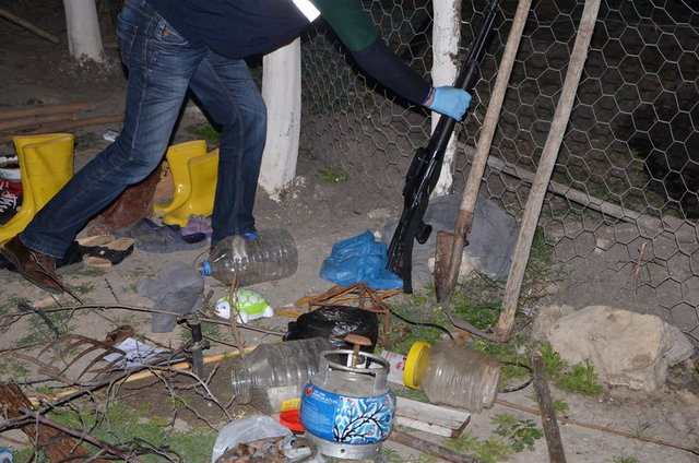 Adana'daki pompalı katliamın olduğu evden garip ayrıntılar: Cinci hoca, muska, çukur