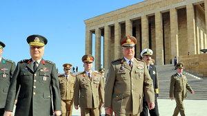 Romanya Genelkurmay Başkanı Ciuca Anıtkabir'i ziyaret etti