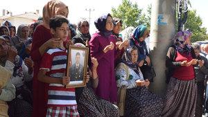 Şehit Ömer Halisdemir'in annesi Fadimana Halisdemir toprağa verildi