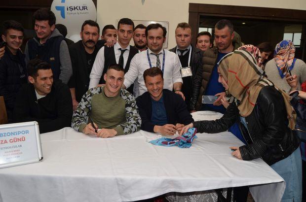 Trabzonsporlu Yusuf Erdoğan ve Bero imza gününde