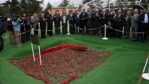 Kılıçdaroğlu'ndan Demirel'in mezarına ziyaret