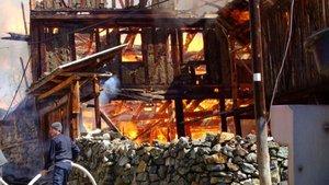 Çankırı'da 45 haneli köydeki 25 ev yandı
