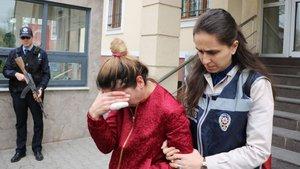 Adapazarı'ndan bir kadın eski sevgilisini bıçakladı