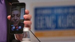 Cumhurbaşkanı Erdoğan 'facetime' ile gençlere seslendi