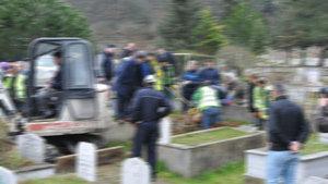 Ağrı'da mezarlıkta ceset bulundu