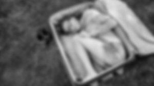 27 yaşındaki kızını bavulla denize attı!