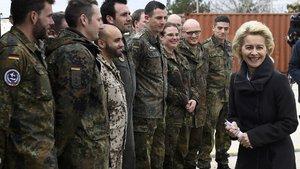Alman Savunma Bakanı'ndan İncirlik'teki uçaklarla ilgili açıklama