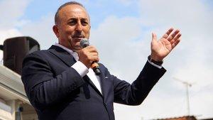 Mevlüt Çavuşoğlu: Sen kimsin Atatürk kim? Atatürk sizin gibileri denize döktü