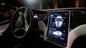 Tesla, ABD'nin en değerli otomotiv firması oldu