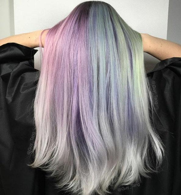 2017'nin yeni trendi holografik saçlar!