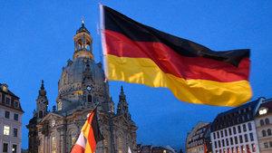 Almanya'da başörtülü genç kız darp edildi