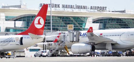 Havalimanında 'yardım' bahanesiyle hırsızlık yapan 3 kişi yakalandı