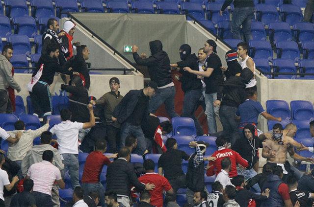 Lyon - Beşiktaş maçı öncesi kavga!