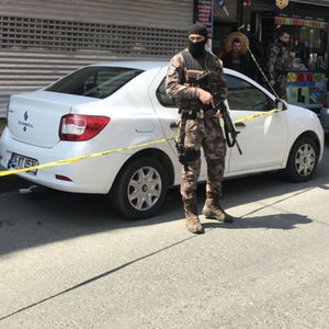 CAMİDEN ÇIKAN KUYUMCU NEYE UĞRADIĞINI ŞAŞIRDI! ÖZEL HAREKAT POLİSLERİ GELDİ