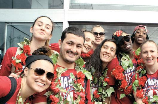 Basketbolu Geliştirenler Derneği ile Yakın Doğu Üniversitesi birleştikten sonra EuroCup'ı kazandı