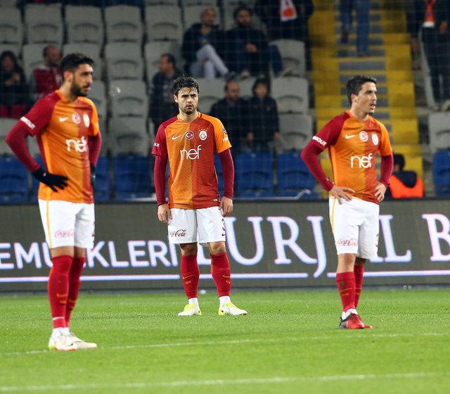 Galatasaray'da deprem gibi karar!