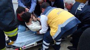 Mersin'de çocuğun göğsüne demir parmaklık saplandı