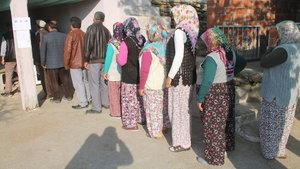 Manisa Demirci'de Kayranokçular Mahallesi'nde oy verme işlemi 12 dakika sürdü