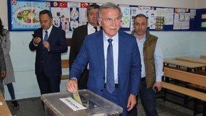 Mehmet Ali Şahin: Oy beklediğimiz partilerden yeterli 'evet' oyu gelmedi