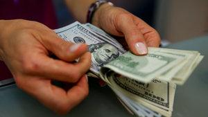 Dolar haftanın ilk gününde dalgalanarak 3.66 seviyesine geldi