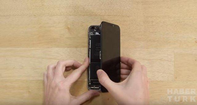 6100 liralık iPhone X'i paramparça etti, iPhone X'in içinde ne var?