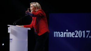 Aşırı sağcı Fransız siyasetçi Le Pen'in mitinginde protesto