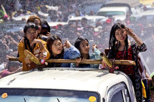 Myanmar'daki Su Festivali'nde 285 kişi yaşamını yitirdi