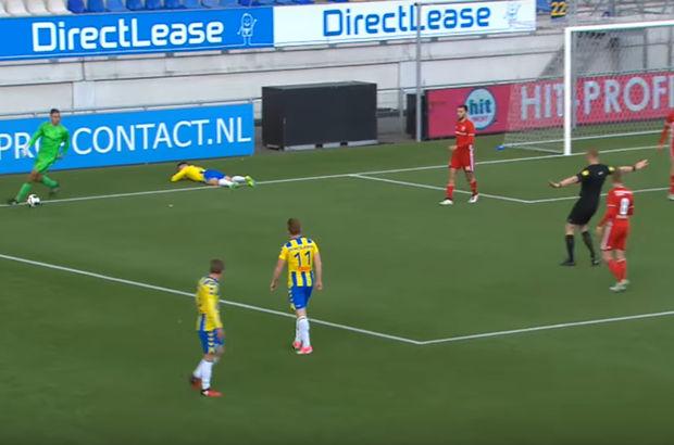 Hollanda 2. Ligi'nde skandal kaleci hatası